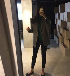 69 ideas fashion style women chic office wear for 2019 Love Fashion, Korean Fashion, Fashion Outfits, Womens Fashion, Casual Winter Outfits, Simple Outfits, Simple Style, My Style, French Chic