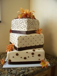 Pretty fall wedding cake!