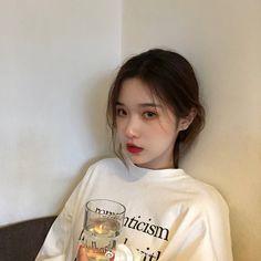 Nhi 🍃 Ulzzang Hair, Ulzzang Korean Girl, Cute Korean Girl, Asian Girl, Cute Girls, Cool Girl, Selfie Foto, Uzzlang Girl, Grunge Girl