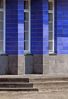 Egbert Reitsma   De architectuur van Egbert Reitsma (Ulrum 1892 - Glimmen 1976) is vernieuwend en heeft een geheel eigen signatuur...