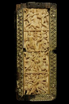 This manuscript cover is made of wood slab and ivory. The represented scene is the fight of Dionysus against the Indians #bookcover #bookcoverdesign #medieval #manuscripts #ivory