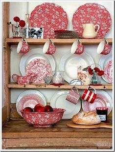 I HEART red dishes . with white dishes . and with blue transferware! Love floral and stripes too! I just love these dishes Red Kitchen, Country Kitchen, Kitchen Decor, Kitchen Design, Kitchen Display, Kitchen Colors, White Cottage, Cottage Style, Vintage Dishes