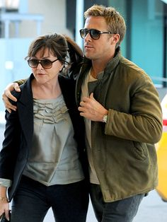 Ryan Gosling and his mommy 😊