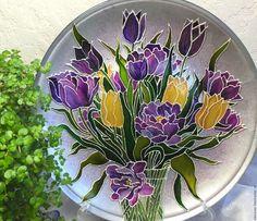 Тарелка декоративная, тюльпаны,  букет цветов, витражная роспись