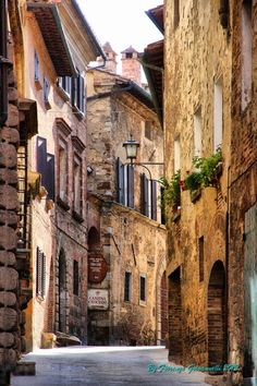 Montepulciano - Toscana, Italy been here loved it must go again someday soon! Places Around The World, Oh The Places You'll Go, Places To Travel, Places To Visit, Around The Worlds, Italy Vacation, Italy Travel, Vacation Travel, Beautiful World
