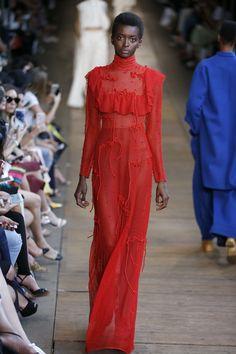 patBo - são paulo resort 2017 Tokyo Fashion, Fashion Show, Seoul, Ukraine, Istanbul, Vogue, Resort 2017, Shades Of Red, Red Roses