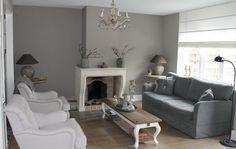 Dit is onze woonkamer landelijke stijl gestuukte muren en painting the past muurverf gebruikt.
