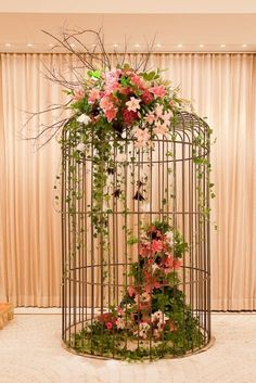 floral bird cage by TinyCarmen Decoration Buffet, Decoration Shabby, Decorations, Deco Floral, Floral Design, Design Design, Ikebana, Beautiful Birds, Bird Houses