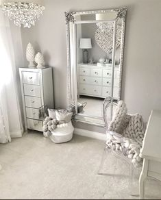 Traumzimmer 50 beautiful bedroom mirror ideas can improve your bedroom Your Own Home Interior Ideas Living Room Bar, Cozy Living, Living Rooms, Glam Room, Stylish Bedroom, Modern Bedroom, Home Decor Bedroom, Design Bedroom, Silver Bedroom Decor