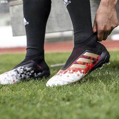 Soccer Socks, Soccer Gear, Soccer Cleats, Cool Football Boots, Football Shoes, Adidas Predator, Salah Liverpool, Adidas Cleats, Adidas Football