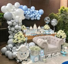 themes for baby shower boy 2018 temas para baby shower niño 2018 themes for baby shower boy 2018 Gateau Baby Shower, Deco Baby Shower, Shower Bebe, Baby Shower Backdrop, Baby Shower Balloons, Baby Boy Shower, Baby Shower Themes Neutral, Baby Shower Gender Reveal, Minnie Mouse Decorations