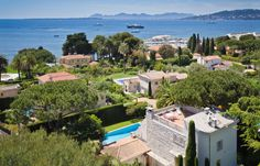 Luxury property in Cap d'Antibes with great view of the sea