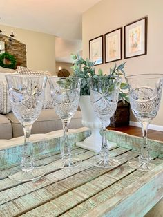 Vintage Crystal Clear Industries Tall Water Goblet / Tall Wine Glass Chardoney Pattern Cut Grape and Cross Hatch Set of 4 Wedding TYCAALAK Crystal Wine Glasses, Pattern Cutting, Mortar And Pestle, Christmas Traditions, Silver Plate, Im Not Perfect, Hammered Copper, Christmas Bells