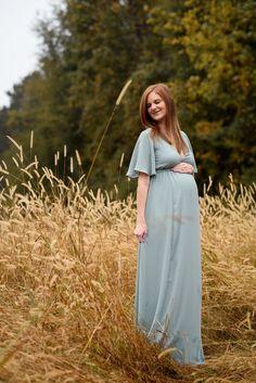 Maternity — Liz by Design Photography Outdoor Maternity Photos, Graduation Photos, Beautiful Moments, Pregnancy Photos, Cool Photos, Photography, Dresses, Design, Fashion