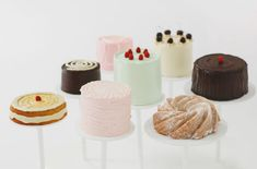 artistic cake presentation inspired by Wayne Thiebaud