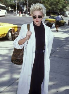 The Best Platinum Blondes of All Time, From Marilyn Monroe to Courtney Love