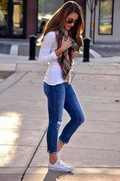30 Pretty Spring Outfits For Cool Evenings Everyday Outfits Simple, Cute Simple Outfits, Spring Outfits For School, Casual Summer Outfits For Women, Casual Outfits, College Outfits, Friday Outfit For Work, Clothes For Women, Dress Designs