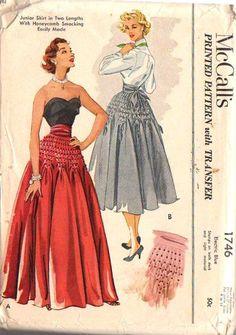 McCalls 1746 Vintage ~ skirt with Honeycomb (dot to dot) smocking in the hip area ~ Vintage Dress Patterns, Vintage Skirt, Vintage Dresses, Vintage Outfits, Look Fashion, Retro Fashion, Vintage Fashion, Fashion Details, Mode Hollywood