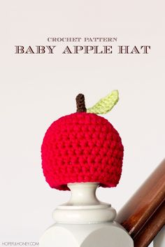 Newborn Apple Hat Crochet Pattern | Craft, Crochet and Create! | Lots of craft ideas and free, easy to follow crochet patterns.