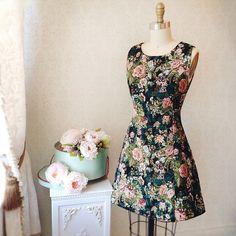 Machara  www.1861.ca #boutique1861 #fallfashion #montreal #dress…