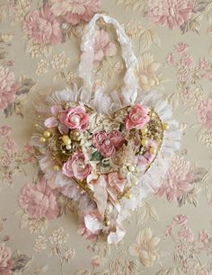 Beautiful Handmade Ribbon Work Heart by Jennelise Rose Shabby Chic Wreath, Shabby Chic Crafts, Vintage Crafts, My Funny Valentine, Valentine Heart, Valentine Crafts, Valentines Sweets, Fabric Hearts, Fabric Flowers
