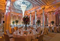 Stunning century architecture and details like pillars & chandeliers make The Principal Edinburgh George Street a sought-after Edinburgh wedding venue.