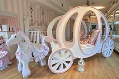 Modern Kids :: Horse Sleigh Carriage Bed