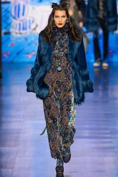 Anna Sui Fall 2017 Ready-to-Wear Fashion Show NYFW New York Fashion Week