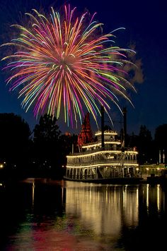 Mark Twain Fireworks. A similar sendoff was given the Drama Queen on her maiden dinner theater voyage.