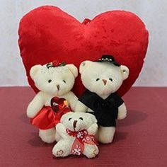 Couples usually celebrate Valentine's Day in grand style. It all starts off on February 7, when Valentine's Week begins, and along with it, the ritual of exchanging a plethora of presents. Well, you might give each other gifts for teddy day, or plenty...