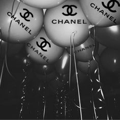 Discovered by K_lara. Find images and videos about party, chanel and ballons on We Heart It - the app to get lost in what you love. Boujee Aesthetic, Bad Girl Aesthetic, Aesthetic Collage, Aesthetic Vintage, Aesthetic Pictures, Aesthetic Grunge, Aesthetic Outfit, Black And White Picture Wall, Black And White Pictures