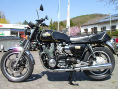 Yamaha XS1100E - my black one had full fairing and panniers