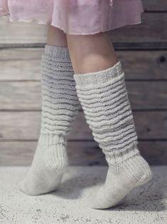 Pretty crinkle-leg socks worked in Novita Nalle (Teddy Bear) yarn can be worn long as knee-socks or with leg crinkled down. Woolen Socks, Knitting Videos, Colorful Socks, Boot Cuffs, Yarn Needle, Knitting Socks, Knit Socks, Pullover, Leg Warmers