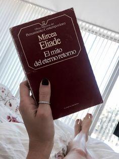 Mircea Eliade. El mito del eterno retorno. Books, Teachers, Libros, Book, Book Illustrations, Libri