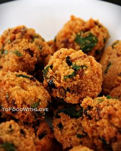 To Food with Love: Gateaux Piments / Magelek (Mauritian Chilli Cakes) Indian Food Recipes, Asian Recipes, Vegetarian Recipes, Cooking Recipes, Ethnic Recipes, Indian Foods, Indian Snacks, Spicy Recipes, Pavlova