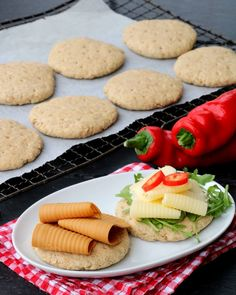 Grove polarbrød på 1-2-3 - LINDASTUHAUG Vegan Cashew Cheese, Vegan Butter, Mini Peach Pies, Canned Blueberries, Vegan Scones, Gluten Free Flour Mix, Scones Ingredients, Vegan Blueberry, Amai