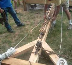 Understanding gin pole rigging in Timber Framing/Log construction Woodworking Joints, Woodworking Plans, Homemade Bandsaw Mill, Truck Mounted Crane, Mechanical Advantage, Lifting Devices, Crane Lift, Block And Tackle, Framing Construction