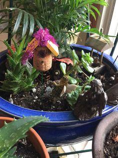 Wine Cork Birdhouse, Flower Pots, Flowers, Cork Crafts, Bird Houses, Terrarium, Fairy, Miniatures, Garden