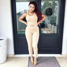 Nicole-Nyaba-@nicolenyaba Summer Outfits, Women's Fashion, Pants, Dresses, Vestidos, Fashion Women, Trousers, Summer Looks, Womens Fashion