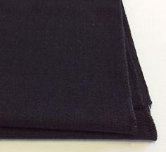 Runner tavola in lino colore nero.