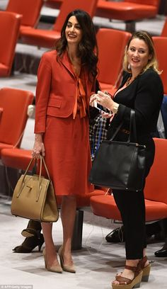 As the beautiful British Lebanese human rights barrister and wife of George Clooney Amal Clooney celebrates her Birthday we look at her style file, so be inspired by this stunning lady and wear your like her this Saturday -tied in a loose pussy bow. Office Fashion Women, Womens Fashion For Work, Work Fashion, Fashion Outfits, Fashion Trends, Fashion Photo, Look Office, Office Looks, Office Wear