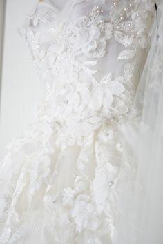 Dresss: Steven Khalil | Photography: SugarLove Weddings