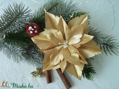 Aranyszínű  mikulásvirág / poinsettia (Albertina) - Meska.hu Poinsettia, Planter Pots, Gift Wrapping, Gifts, Diy, Gift Wrapping Paper, Presents, Bricolage, Christmas Poinsettia