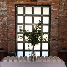 The entrance & place card