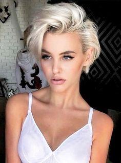 Blonde Pixie Haircut, Short Blonde Haircuts, Cute Short Haircuts, Short Curly Hair, Short Bob Hairstyles, Hairstyles With Bangs, Wavy Hair, Curly Hair Styles, Fine Hair