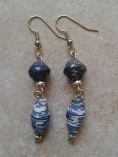Paper bead earrings;orecchini di perle di carta