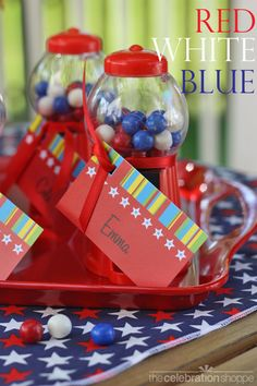 fun red, white and blue party favor idea ~ plus free printables from blog.thecelebrationshoppe.com ~ gumball favors