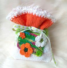 Kirschkernkissen Blumen Wärmekissen Kissen Gesundheitskissen Säckchen Mitbringsel Jesse Our Love, Crochet Hats, Etsy, Worth It, Cherries, Packaging, Threading, Flowers, Breien