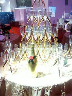 Moet Champagne Tower Champagne Tower, Champagne Drinks, Moet Chandon, The Rock, Service Design, Ferrari, Wine, Table Decorations, Beach