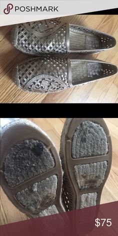 Tory Burch metallic espadrille Adorable, mint condition. Only worn a few times. Tory Burch Shoes Espadrilles